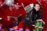 Thời trang đón Giáng sinh rực rỡ của top 6 The Face Vietnam 2018