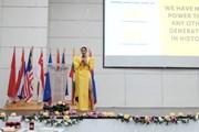 Á hậu Hoàng Thùy gây ấn tượng với màn diễn thuyết ở Philippines