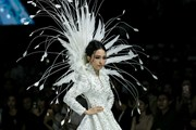 [Photo] Chìm đắm giữa khung cảnh thời trang Hè rực rỡ của Đức Vincie
