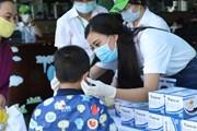 [Photo] Á hậu Kim Duyên chung tay cùng cộng đồng chống dịch COVID-19