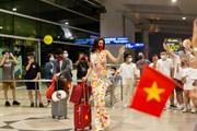 [Photo] Khánh Vân diện trang phục đặc biệt lên đường thi Miss Universe