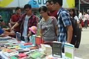 """[Photo] Ngày hội sách """"Đi và đọc"""" thu hút độc giả trẻ Hà Nội"""