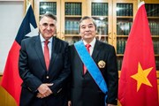 Chile trao tặng Huân chương cho Đại sứ Việt Nam Ngô Đức Thắng