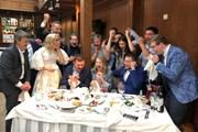 Nga thắng Tây Ban Nha: Món quà cưới đáng nhớ cho 1 cặp đôi