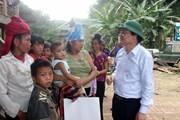 Bộ trưởng Bộ Giáo dục và Đào tạo thăm trường học bị lũ tại Sơn La