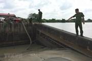 Nam Định: Bắt quả tang và xử phạt một tàu hút cát trái phép