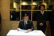 Thủ tướng Thái Lan đến Đại sứ quán viếng Chủ tịch nước Trần Đại Quang