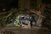 Siêu bão Leslie tàn phá Bồ Đào Nha trước khi tràn vào Tây Ban Nha