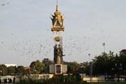 Việt Nam gửi điện, thư chúc mừng 65 năm Quốc khánh Campuchia