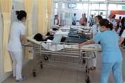 Vụ xe chở sinh viên rơi xuống vực: Một nạn nhân bị đứt lìa cánh tay