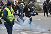 """Số người tham gia biểu tình """"Áo vàng"""" tại Pháp tăng nhanh"""
