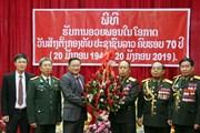 Đại sứ Nguyễn Bá Hùng chúc mừng 70 năm thành lập Quân đội Lào