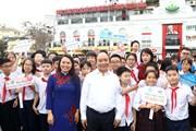 Hình ảnh Thủ tướng dự Lễ phát động Năm an toàn cho phụ nữ và trẻ em