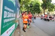 Các vận động viên tranh tài tại Giải marathon quốc tế di sản Hà Nội