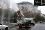 [Photo] Thành phố Vũ Hán phun thuốc ngăn ngừa virus corona lây lan
