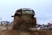 Trời mưa làm tăng độ khó tại Giải đua xe ôtô địa hình Việt Nam