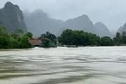 Quảng Bình: Hơn 95.000 ngôi nhà bị ngập, Quốc lộ 1A ách tắc