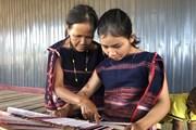 [Photo] Bảo tồn giá trị văn hóa của nghề dệt thổ cẩm ở Gia Lai