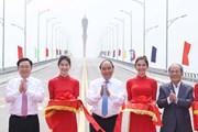 Thủ tướng Nguyễn Xuân Phúc dự lễ thông xe cầu Cửa Hội bắc qua Sông Lam