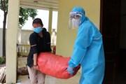[Photo] Ấm áp tình người trong tâm dịch COVID-19 ở Mão Điền