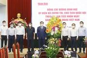 [Photo] Chủ tịch Quốc hội Vương Đình Huệ chúc mừng Báo Nhân Dân