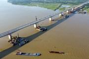 Đảm bảo tiến độ thi công cầu Vĩnh Tuy 2 trong thời gian giãn cách