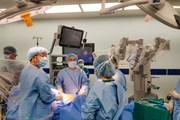 """Dùng robot """"trị"""" ung thư tiền liệt tuyến cho bệnh nhân người Nhật"""