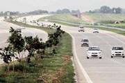 Ấn Độ: Lật xe trên đường cao tốc khiến 4 sinh viên thiệt mạng