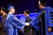 [Video] Mỹ: Cậu bé tốt nghiệp đại học bang Florida ở tuổi 11
