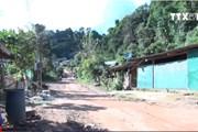 [Video] Hiện tượng nứt gãy nền đất trầm trọng tại Điện Biên