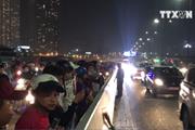 [Video] Xe máy đâm vào xe tải trên cầu Sài Gòn, hai người tử vong