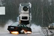 Những cách giúp giảm thiệt hại về người và của khi bị nổ lốp ôtô