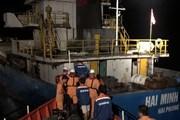 [Video] Quảng Trị cứu trợ thành công 9 thuyền viên gặp nạn trong đêm