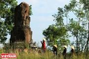 Bí ẩn cột đá chùa Dạm tạo sức hút kỳ diệu với du khách thập phương