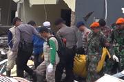 [Video] Khách sạn Stefanie bị thiệt hại nặng nề do sóng thần
