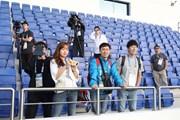 Asian Cup: Phóng viên Hàn Quốc bao vây sân tập của đội tuyển Việt Nam