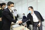 Phó Thủ tướng Vũ Đức Đam thăm tình nguyện viên thử vaccine Nano Covax