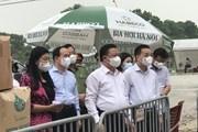 [Photo] Bí thư Hà Nội kiểm tra công tác phòng dịch tại Đông Anh
