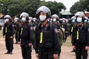 Gần 300 cán bộ, chiến sỹ cảnh sát cơ động hỗ trợ Bắc Giang chống dịch