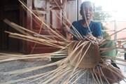 [Photo] Người Ba Na ở Bình Định giữ nghề truyền thống đan gùi