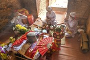 Nghi lễ cúng tháp Pô Sah Inư trong ngày Tết Ka Tê của đồng bào Chăm