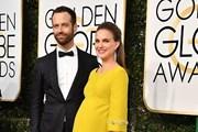 """[Photo] Đầm bầu """"khuấy đảo"""" tại thảm đỏ Quả cầu vàng 2017"""