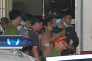 """Nhân viên an ninh vất vả trấn áp đối tượng """"quậy"""" sân bay Nội Bài"""