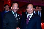 Thủ tướng Nguyễn Xuân Phúc gặp Quốc vương Brunei Darussalam
