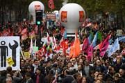 Pháp: Đình công mở rộng phản đối các kế hoạch của ông Macron