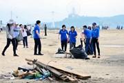 Quảng Ninh phát động chương trình dọn sạch bãi biển vịnh Hạ Long