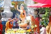 Cộng đồng người Việt Nam tại Lào và Séc mừng Đại lễ Phật đản