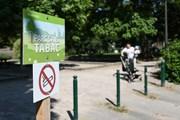 Thành phố Pháp đầu tiên cấm thuốc lá trong công viên công cộng