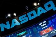 Thị trường chứng khoán thế giới giao dịch ngược chiều