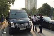 Hà Nội tước phù hiệu hàng trăm ôtô vi phạm quy định hoạt động vận tải